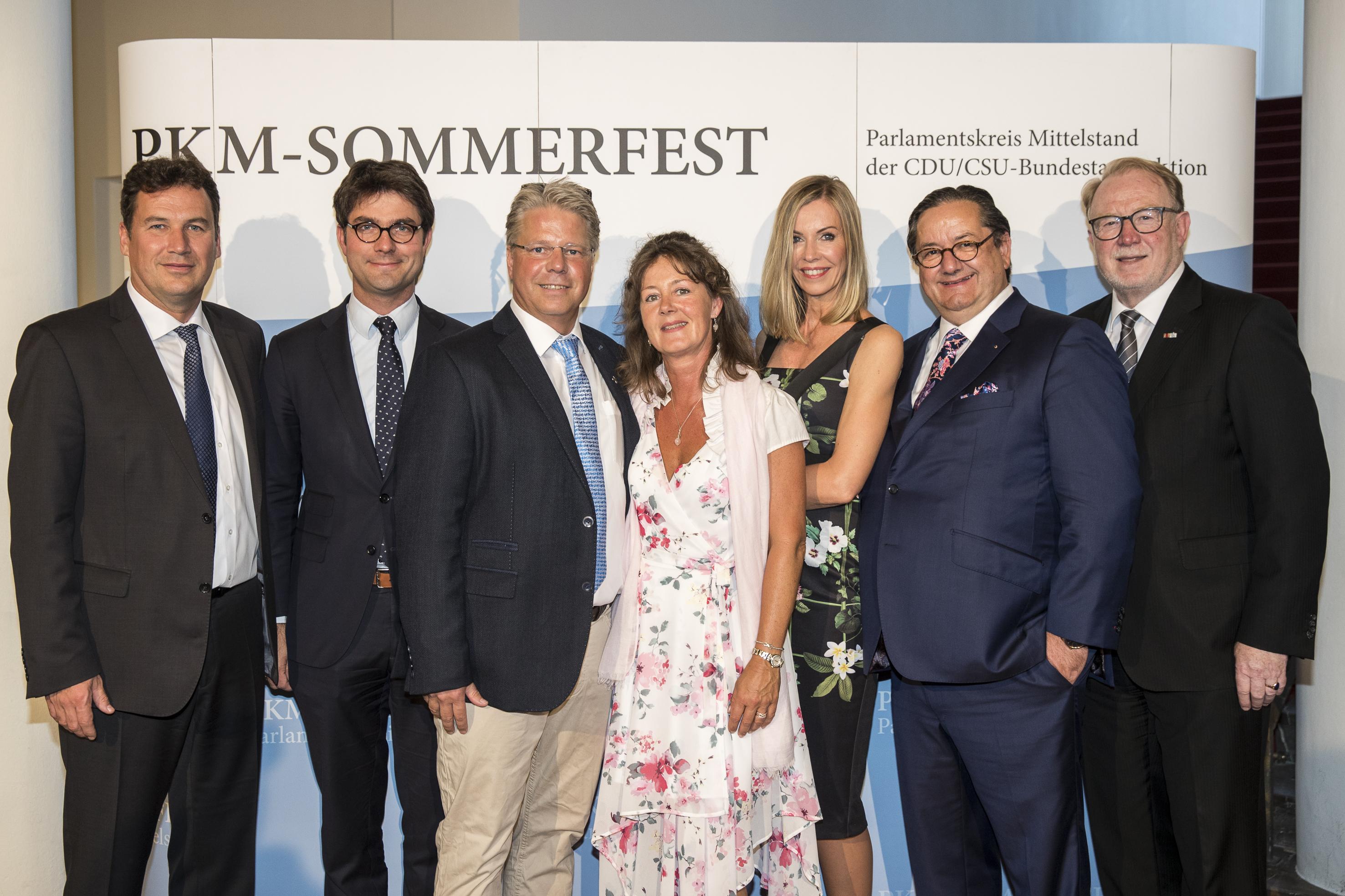 Mark Helfrich mit Gästen beim PKM-Sommerfest 2017