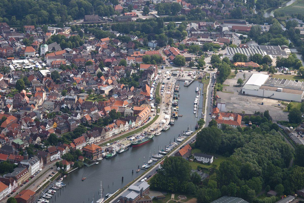 Steinburg aus der Luft - Hafen in Glückstadt