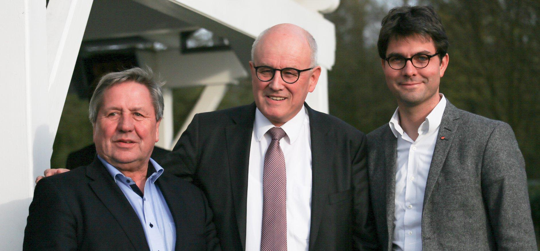 Mark Helfrich mit Volker Kauder und Hans-Jörn Arp
